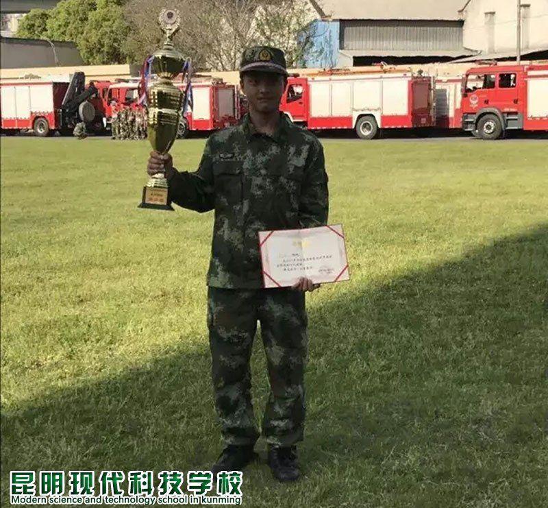 余 浩-消防专业
