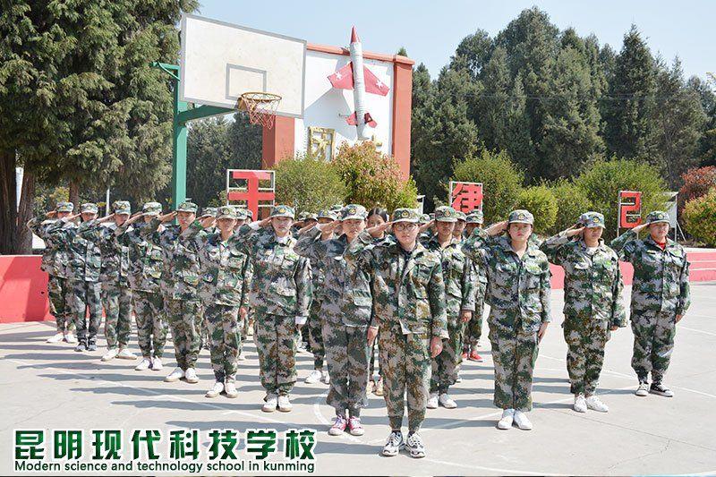 陈玉蕊 穿上标志着军人的绿色军