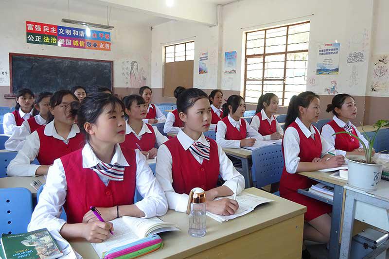 """""""中国制造""""更进一步,必须重视职业教育"""